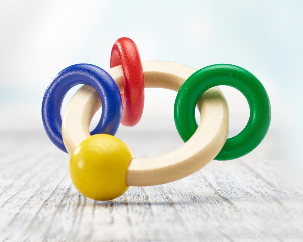 hout rammelaar rond met ringen