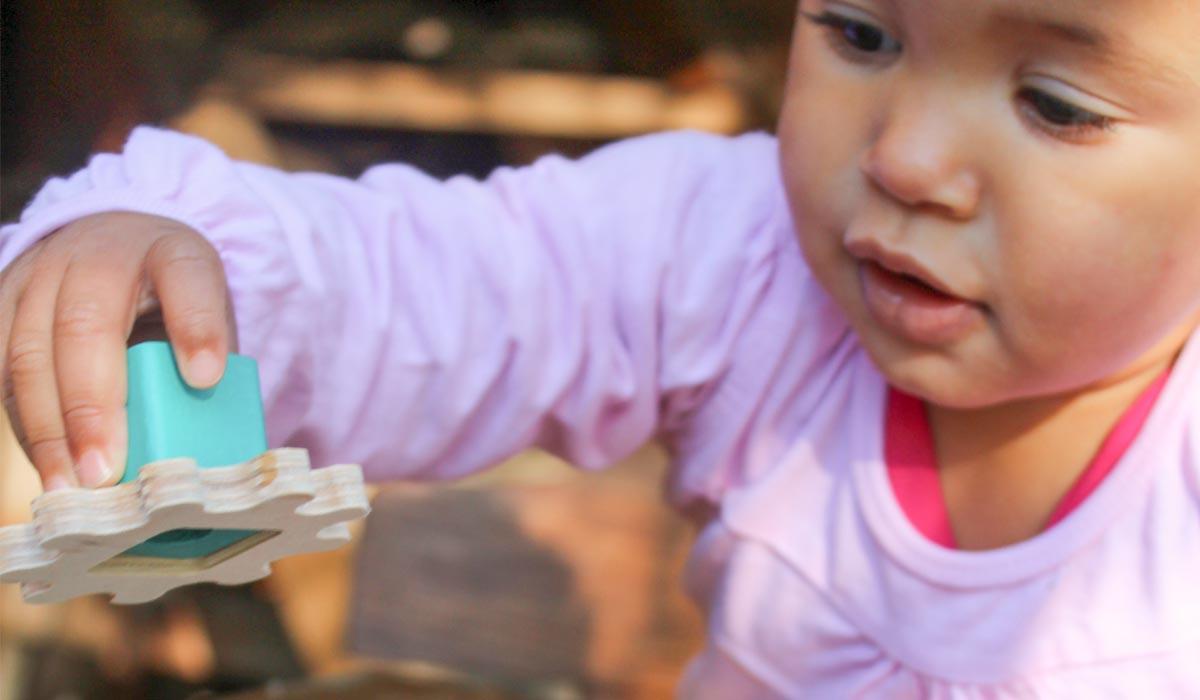 houten speelgoed onderzoeken