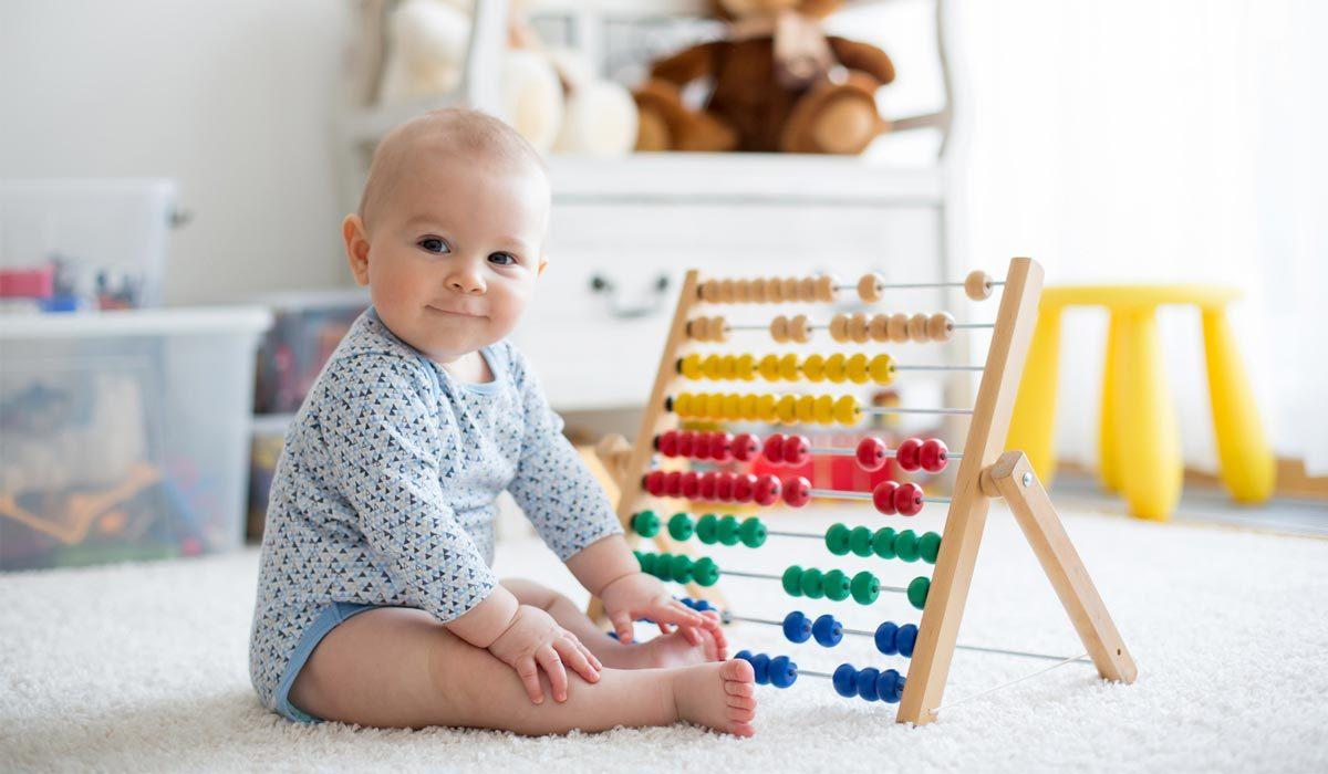 vanaf wanneer kunnen baby's wat