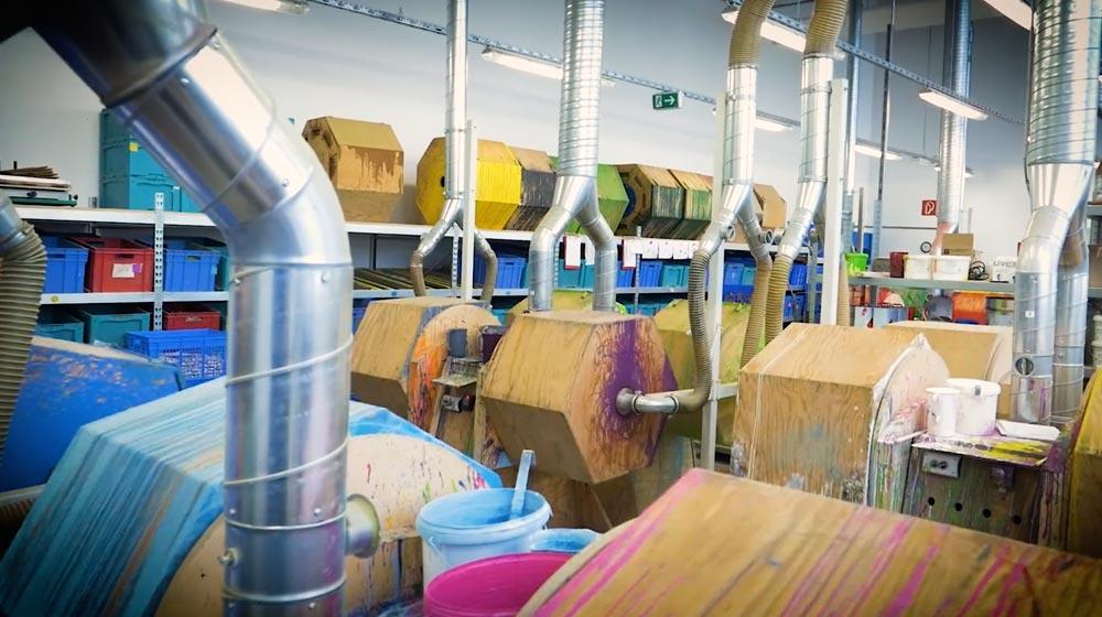 Selecta houten speelgoed fabriek vlek