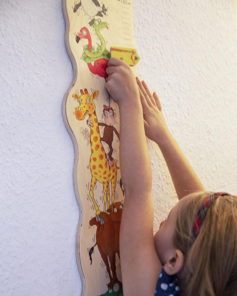 Kind met meetlat zoorino houten speelgoed van Selecta