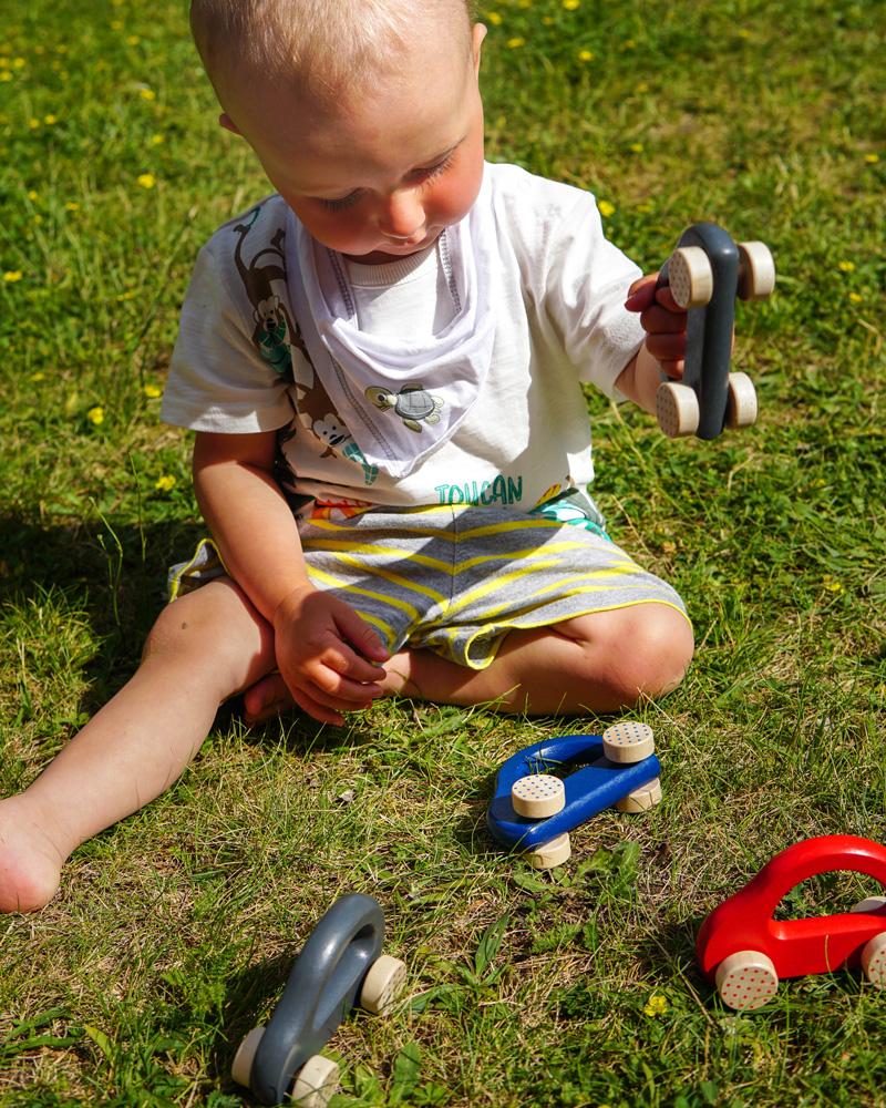 kleine snelheidsduivel houten speelgoed emoties